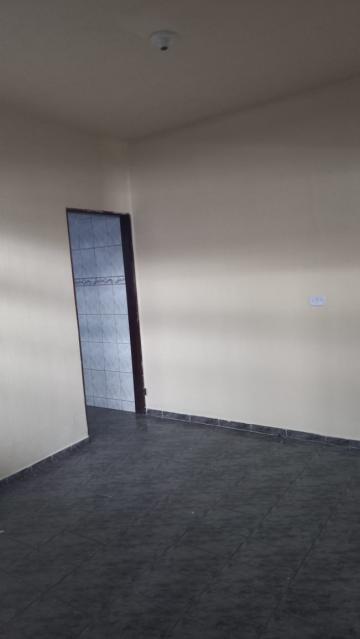 Alugar Casa / Padrão em São José dos Campos R$ 900,00 - Foto 3