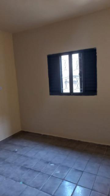 Alugar Casa / Padrão em São José dos Campos R$ 900,00 - Foto 6