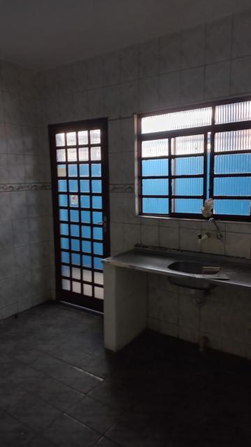 Alugar Casa / Padrão em São José dos Campos R$ 900,00 - Foto 11
