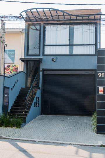 Comercial / Salão em Jacareí Alugar por R$3.400,00