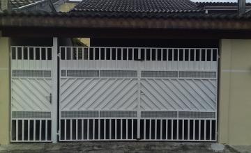 Alugar Casa / Padrão em Pindamonhangaba. apenas R$ 195.000,00