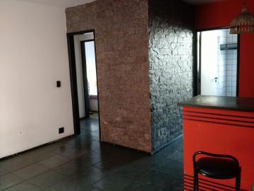 Alugar Apartamento / Padrão em Pindamonhangaba. apenas R$ 800,00