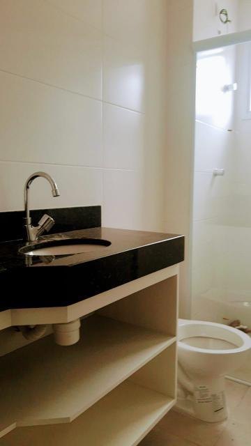 Alugar Apartamento / Padrão em Caraguatatuba R$ 2.200,00 - Foto 12