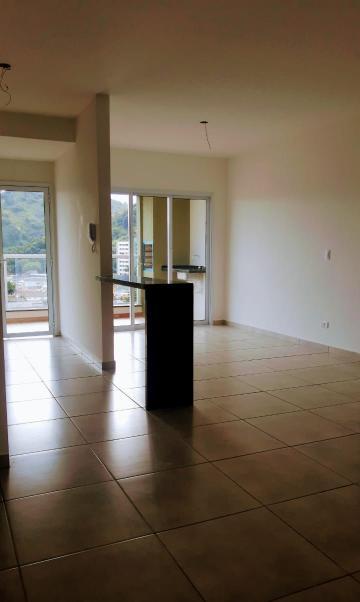 Alugar Apartamento / Padrão em Caraguatatuba R$ 2.200,00 - Foto 7