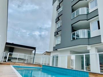 Alugar Apartamento / Padrão em Ubatuba. apenas R$ 590.000,00