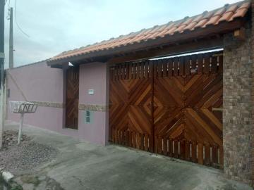 Alugar Casa / Padrão em Caraguatatuba. apenas R$ 399.000,00