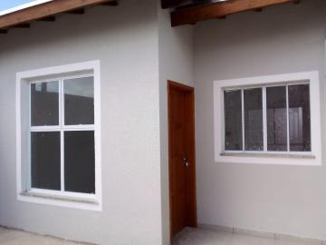 Alugar Casa / Padrão em Pindamonhangaba. apenas R$ 210.000,00